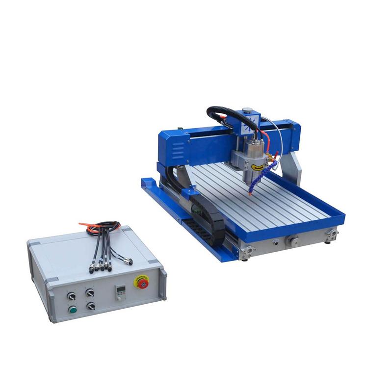 Máy khắc CNC:  SP6040